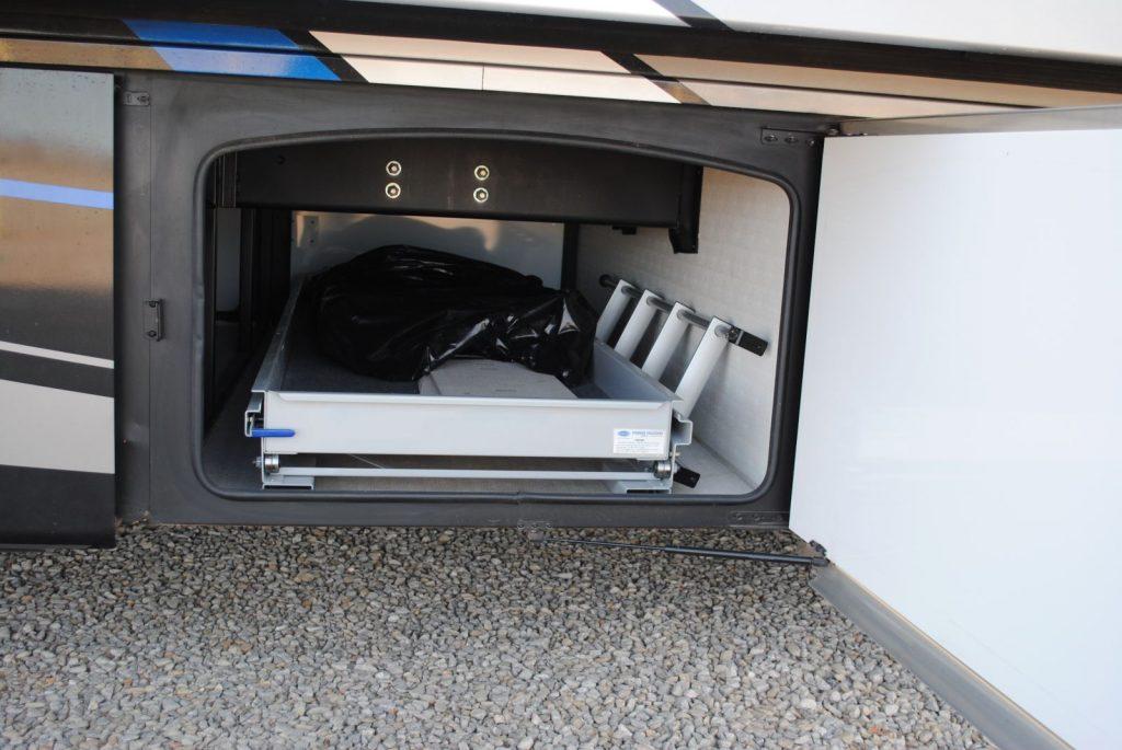 Exterior compartment